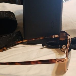 Oakley Accessories - NIB Oakley brown & gold Polarized Sunglasses